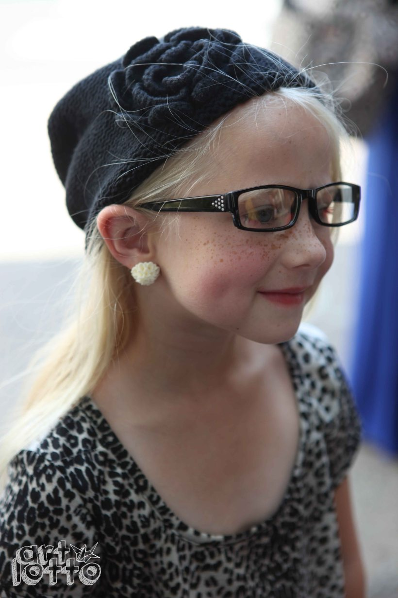 Mirra Zirkle, winner of the KIDS' CHOICE AWARD, is sporting one of her prizes: earrings from MINT.